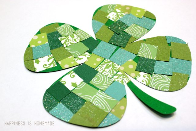 Paper-Mosaic-Four-Leaf-Clover-Kids-Craft